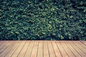 Terrasse en bois pour recouvrir une terrasse défraîchie à Namur