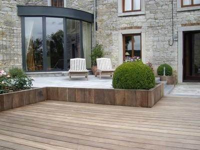 Terrasses en bois namur et en wallonie derni res tendances for Amenagement jardin bruxelles